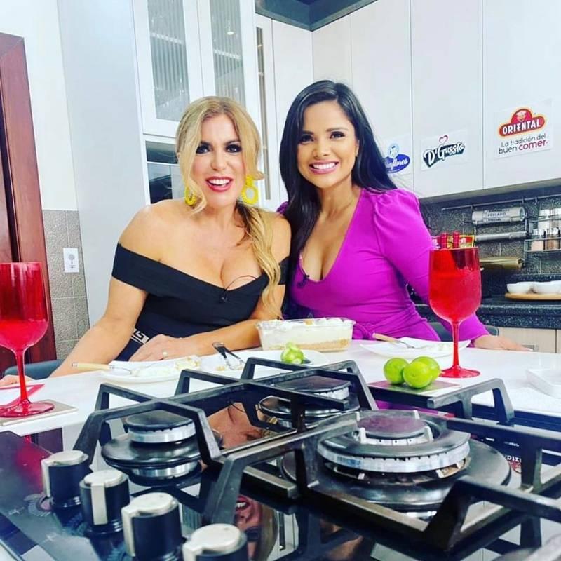 Mariela Viteri y Evelyn Calderon